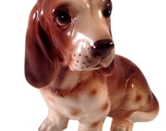 Beagle Dog Figurine, Hound Dog Statue, Gift for Dog Lover, Gift For Christmas, Pet Memorial, Made in Japan