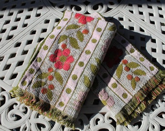 Vintage Mid Century Cannon Royal Family Pink Daisy Kitchen Dish Large Hand Decorative Towel, set of 2
