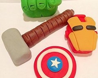 Edible marvel cake toppers x4