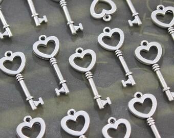 50 pcs Small Antique Silver Double sided skeleton Key Charm Steampunk Supplies Wedding Keys Heart Keys