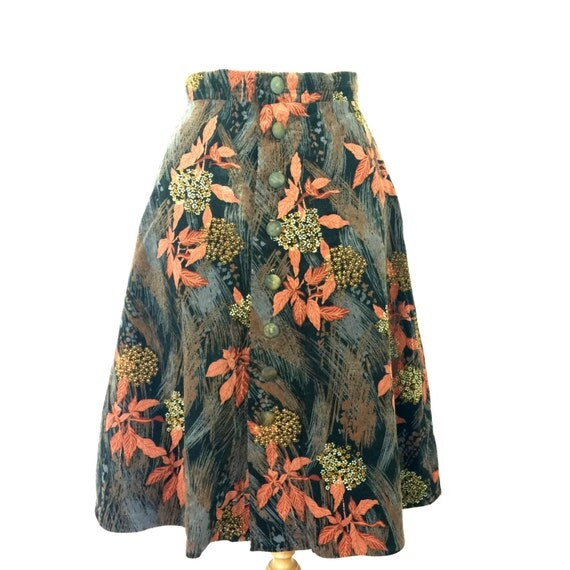 Vintage corduroy skirt high waisted button front flared skirt UK 18 A line leaf print cord Autumnal Fall wooden button down plus size