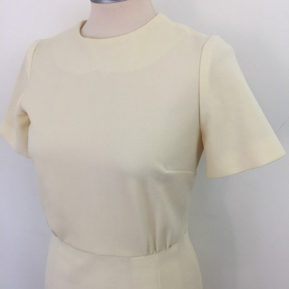 1960s mod dress crimplene shift cream knee length day UK 10 scooter girl 60s style Jackie O  pleated skirt