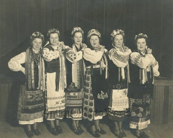 Women dancer in Ukrainian costumes antique ethnic photo
