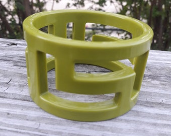 Cool Zig Zag Green Lucite Bangle Bracelet