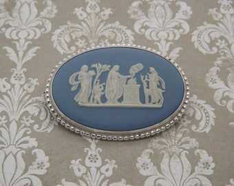 A superb Wedgwood hallmarked sterling silver vintage jewelry brooch set with Wedgwood blue jasper plaque of classical figures in landscape