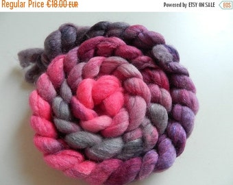 """Combed tops Falkland/nylon hand dyed """"Rose fever"""", a Wollke7 from the Wollkenschloss"""