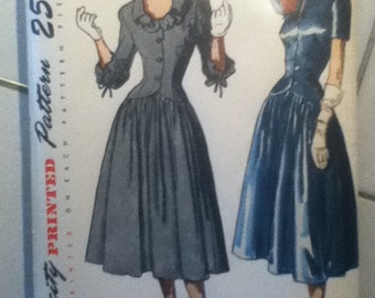 "Simplicity Vintage Dress Pattern 2279  Size: 14, Bust 32"", Waist 26"", Hip 35"""