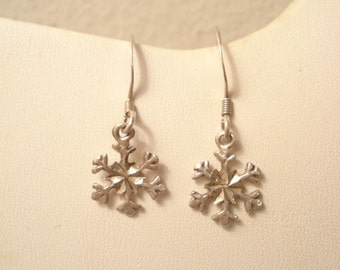 Cute Vintage Snowflake Sterling Dangle Earrings