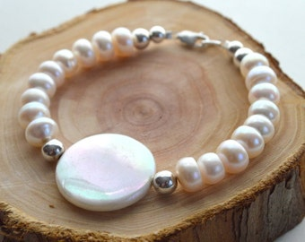 White Freshwater Pearl and Shell Bracelet- White Pearl Bracelet- Shell Bracelet- Resort Jewelry