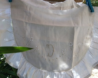 Semicircle Victorian White Linen Pillow Case Ruffled Embroidered Monogram  1900's French Linen #sophieladydeparis