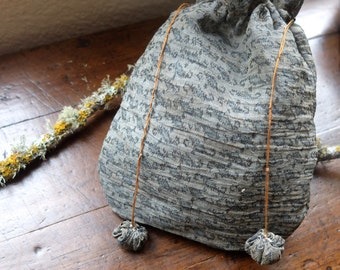 Pouch made of linen from antique Japanese kimono