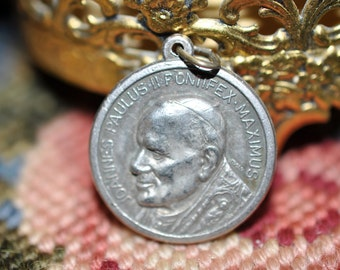 Pope John Paul 2, Religious charm, great for a necklace, medal, religious pendants, Collectible, #434