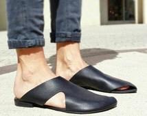 Sale 40% off, Slip ons, Leather slip ons, Leather Sandals, Pointy flats, Black flats, Handmade Sandals, Summer shoes, Slide Sandals, UnaUna