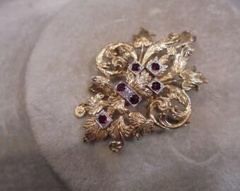 18 KT  Ruby & Diamond    Victorian   Fleur de lis    Brooch / Pendant