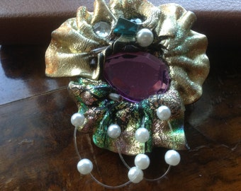Handmade, pendant with purple glass and pearls.