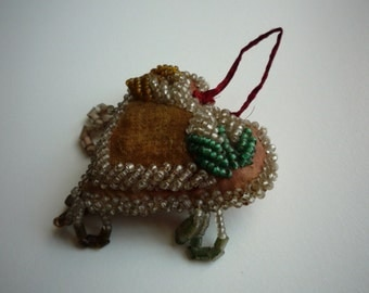 Antique Native American Iroquois Whimsey Beaded Heart Souvenir Pin Cushion