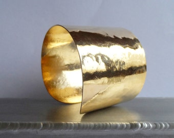 Large hammered gold cuff 5 CM