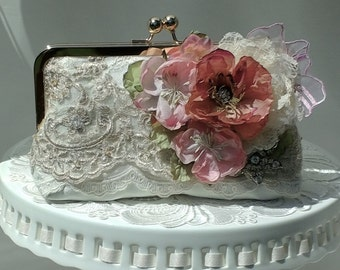 Rustic Elegant / Lace Wedding / Romantic Wedding / Bridal Handbag / Farmhouse Wedding / Mother of the Bride