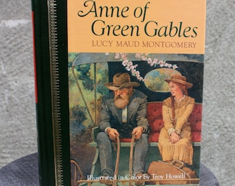 Vintage 1988 Anne Of Green Gables by Lucy Maud Montgomery Hard Cover