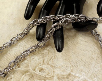 Vintage Vendome Textured Silver Tone Chain