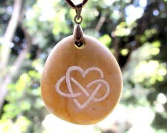 Natural Beach Stone Engraved Pendant Necklace Jewelry Double Hearts Love Gift