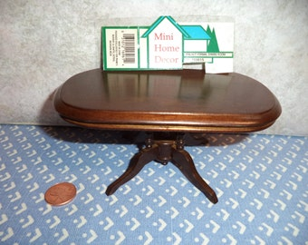 1:12 scale DollhouseVintage Dining room table