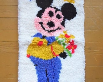 Mickey Mouse Rug, Latch Hook Rug, Latch Hook, Vintage Rug, Mickey Mouse Bedroom, Yarn Rug, Mickey Mouse Decor, Rug, Vintage Mickey Mouse