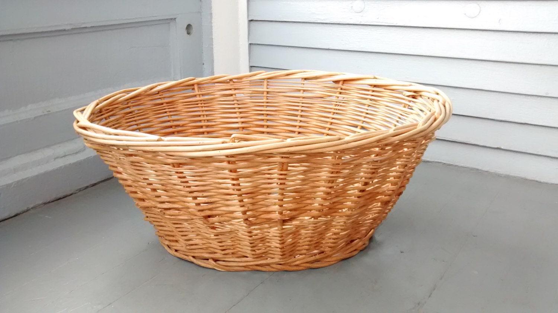 Large vintage wicker laundry basket - Large wicker laundry hamper ...