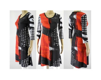 Dress with round neck neckline and 3/4 sleeves