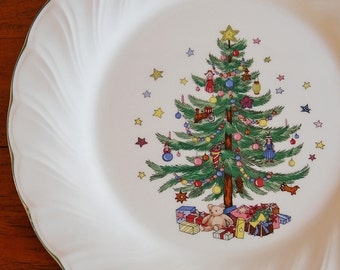 Nikko Happy Holidays Swirled Dinner Plates, Set of 2 Discontinued Collectible Christmas Tree White Ironstone China, Festive Table Setting