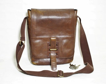 vintage dark brown leather large messenger bag / cross- body satchel