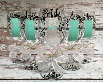 Hand Painted Wine Glasses, Wedding Wine Glasses, Personalized, Bride Gift, Bridesmaid, Mother of Bride, Bachelorette Party, Be My Bridesmaid