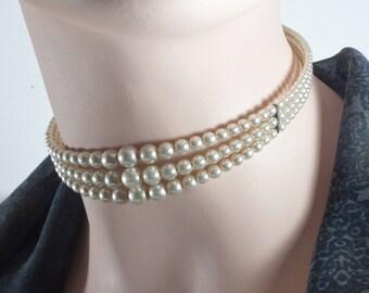 Vintage beads necklace, Bead Necklace, 50s, 60s, neck brace