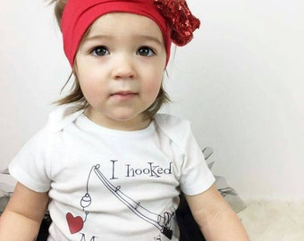 Baby Girl Clothes, Baby Boy Clothes, Fishing Gift, I Hooked Mommy's Heart™Toddler Clothes by Liv & Co.™, Boy or Girl Gift, I Love Mommy.
