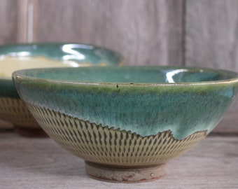 Japanese Ceramics, Japanese Pottery, Ceramic Bowls, Set of 2 Bowls, Handmade Pottery, Ceramic Cups, Green Cup, Terracotta, Made In Japan.