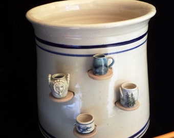 """Display your miniatures on a traditional Delft color Kitchen """"spoon"""" crock- 1 pot , 2 functions - A truly one of a kind """"showcase"""" 4 curios"""