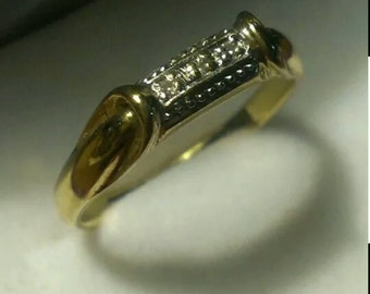Vintage 14kt. yellow gold diamond ring.