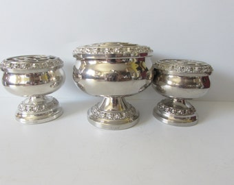 Stunning Vintage Set Of Three Silver Plated Rose Bowls - By Ianthe England .