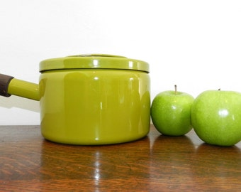 Seppo Mallat Finel Enamel Saucepan for Arabia Finland - Avocado - RARE Color