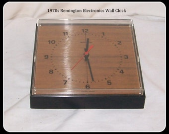 "1970s ""Remington"" Vintage Kitchen / Wall Clock Swiss Made"