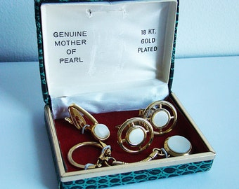 Vintage 1950s Mother of Pearl 18kgp Cufflink Sets in Original Boxes Cufflinks, Tie Clip, and Keychain Retro