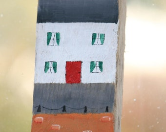 Driftwood Sign - Tall Coastal Scene