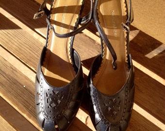 Round Toe Slingback Pumps, Black Leather Shoes Naturalizer Size 8, Ladies Black Shoes, Black Heels, Black Leather Pumps, Naturalizer Heels