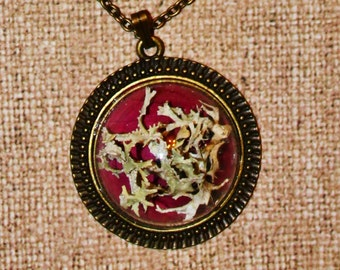 nature necklace, eco pendant, rose petal, moss Cladina stellaris, made by Rotnica