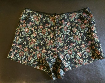 Floral Knit High Waisted Shorts / Tapestry Shorts / Women's Size 6