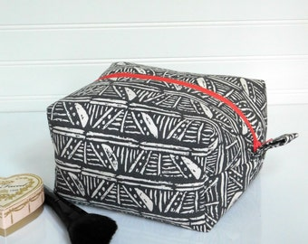 Large Makeup Bag, Large Cosmetic Bag, Valentines Day Gift for Mom, Make Up Bag, Zippered Makeup Pouch, Toiletry Bag, Travel Case Makeup Bag