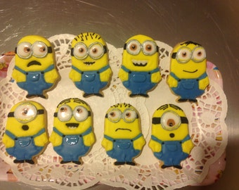 12 Iced Minion cookies.