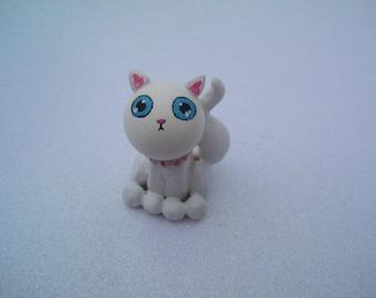 Fun Feline Cute Kitty Cat Sculpture White Kitten