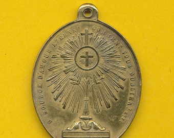 Large Antique brass Religious charm Medal St Francis of Assisi and Monstrance (ref 0491)