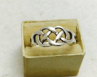 Vintage Sterling Silver Celtic Knot Ring - Size 8.75 -  2.2 Grams